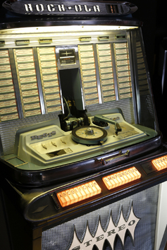 Juke-box Cools - Rock-Ola Regis - Model 1488